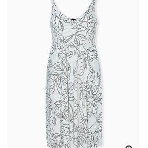 NWT Torrid Black And White Summer Sun Dress